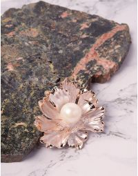 Брошка у вигляді квітки з перлиною | 239997-08-XX