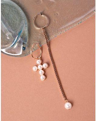 Сережки кільця з ланцюжком та хрестом із перлин   237750-08-XX
