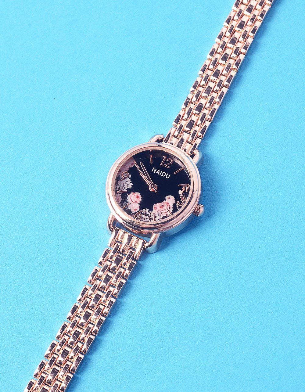 Годинник з квітковим принтом та металевим ремінцем | 237268-09-XX