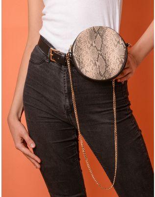 Ремінь у комплекті з сумкою на ланцюжку із зміїним принтом | 237702-39-XX
